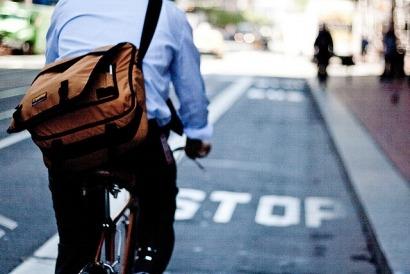Francia paga por ir al trabajo en bicicleta