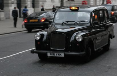 El icónico taxi de Londres renace como taxi eléctrico