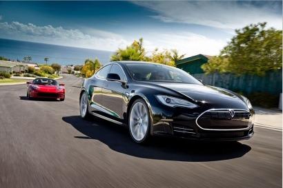 En 3 meses, los coches Tesla se autoconducirán