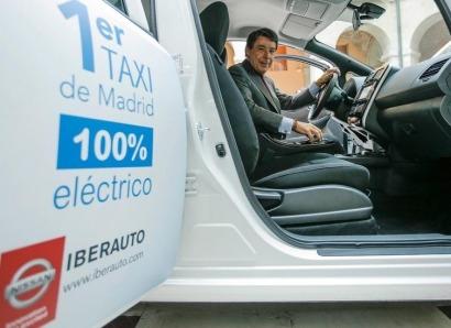 Comienza a rodar el primer taxi 100% eléctrico de Madrid