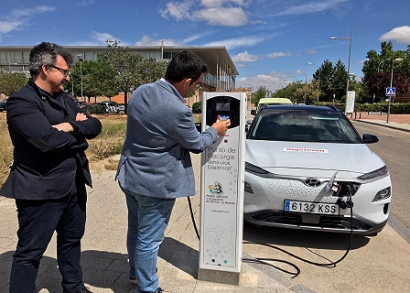 Ingeteam instala un punto de carga de vehículo eléctrico en el Parque Científico y Tecnológico de Castilla-La Mancha
