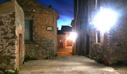 Fotovoltaica y eólica para un pueblo aislado en Tarragona