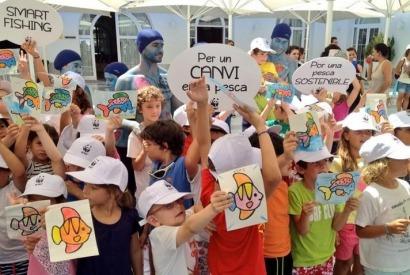 """WWF recorrerá Baleares en un """"catamarán solar"""" para impulsar la pesca sostenible"""