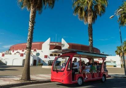 Roquetas de Mar estrena bus solar