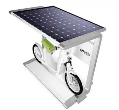 EMC lanza una estación de recarga con energía solar para su ciclomotor eléctrico