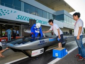 El coche fotovoltaico de Trina Solar gana la carrera FIA Suzuki 2019 de Japón