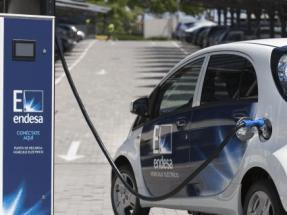 Empleados de Endesa recorreran España en vehículos eléctricos
