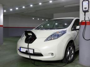 Puntos de carga para vehículo eléctrico a coste cero en comunidades de vecinos