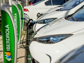 Iberdrola instalará puntos de recarga rápida en las 110 estaciones de Ballenoil