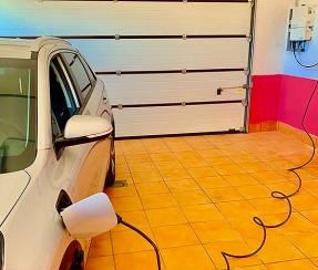 Krannich conecta el vehículo eléctrico directamente al Sol y reduce en un 75% el tiempo de recarga
