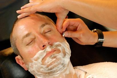 Cuando las barbas de tu vecino veas pelar…