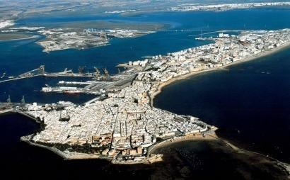 Cádiz crea las mesas de pobreza y transición energética hacia un modelo 100% renovable