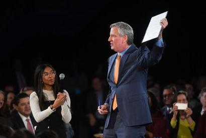 Nueva York: El alcalde Bill de Blasio anuncia el fin al uso de combustibles fósiles, incluido el gas natural, para 2040