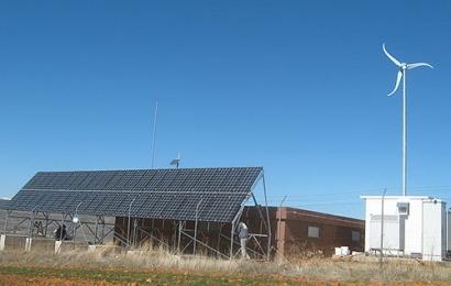 Eólica y fotovoltaica para alimentar una estación de telecomunicaciones con energía 100% renovable