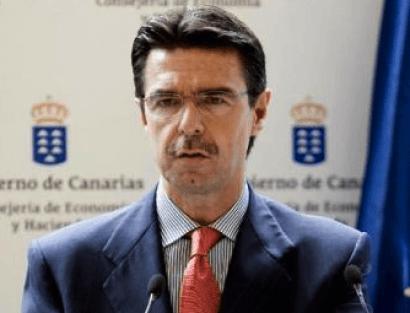 Soria plantea repartir el coste de las renovables con eléctricas y Estado