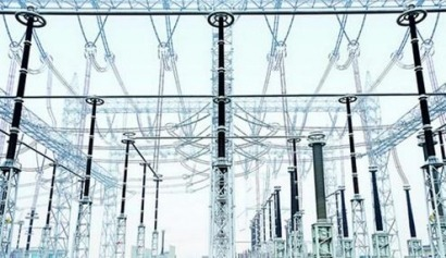 El consumo de electricidad de las grandes empresas ha bajado casi un punto en el último año