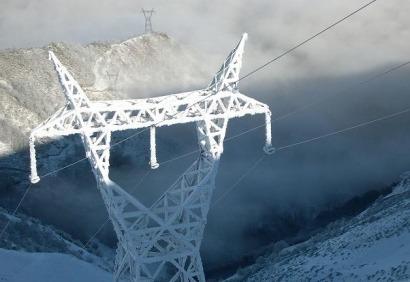 Las renovables disminuyen la dependencia energética de España hasta el 71%