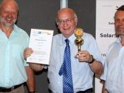 La asociación suiza SolarSuperState premia a un cofundador de Ecotècnia