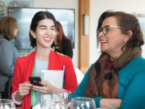 Cómo acelerar la carrera profesional de las mujeres que trabajan en energía sostenible