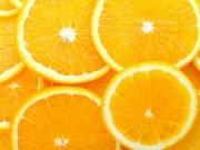 Estudian obtener hidrógeno de los residuos de la naranja
