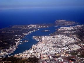 Menorca celebra el aniversario como Reserva de la Biosfera gasificando la isla