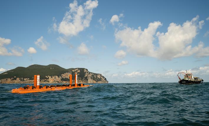La española Arrecife Energy Systems prueba un nuevo sistema para producir electricidad a partir de las olas