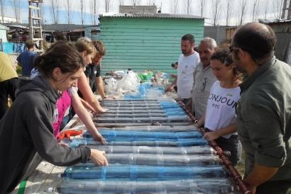 ARGENTINA: Premian al creador de un proyecto solidario que construye termotanques solares con residuos