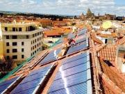 El sol de Segovia reduce la factura energética de 72 familias