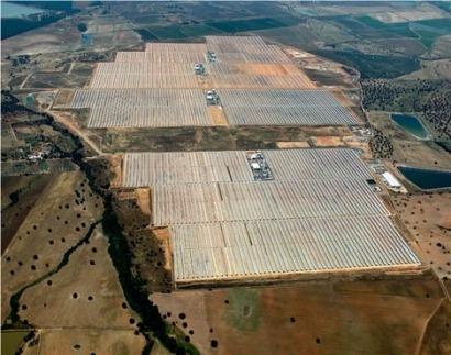 Abengoa completa en Cáceres la mayor plataforma termosolar de Europa