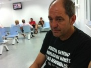 El SAMUR traslada al hospital a Ángel Vadillo, el alcalde en huelga de hambre