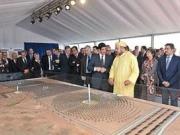 El rey de Marruecos pone la primera piedra de la central termosolar de Ouarzazate